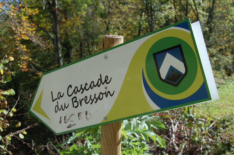 Direction la cascade du Bresson